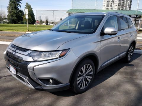 2019 MITSUBISHI OUTLANDER ES *EX-DEMO BLOWOUT*