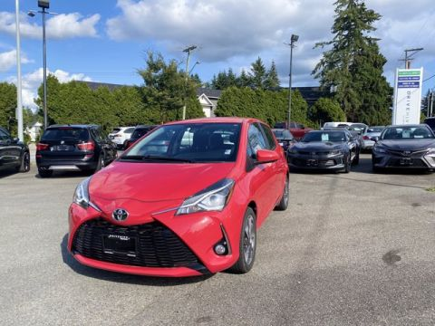 Pre-Owned 2019 Toyota Yaris SE FWD 5D Hatchback